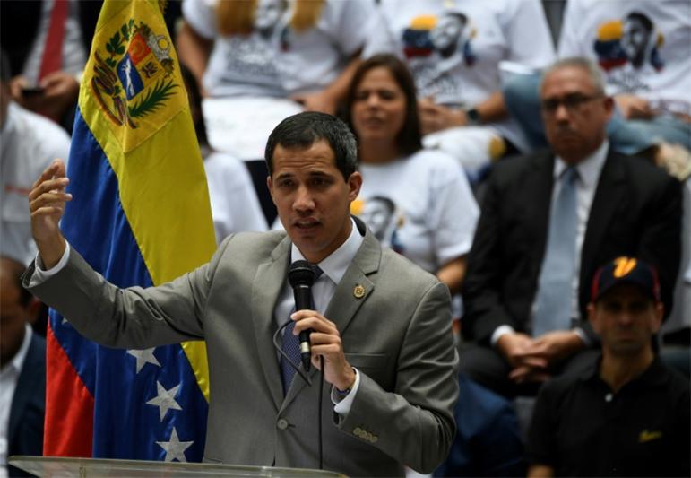 Guaidó teme a convocação de eleições para o parlamento.