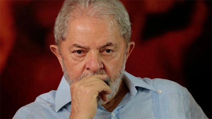 Em carta, eles afirmam que o ex-presidente foi vítima de perseguição política e pedem ainda que as condenações dele sejam anuladas.