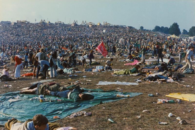 Imagem retrata a multidão que ocupou os três dias de evento em 1969.