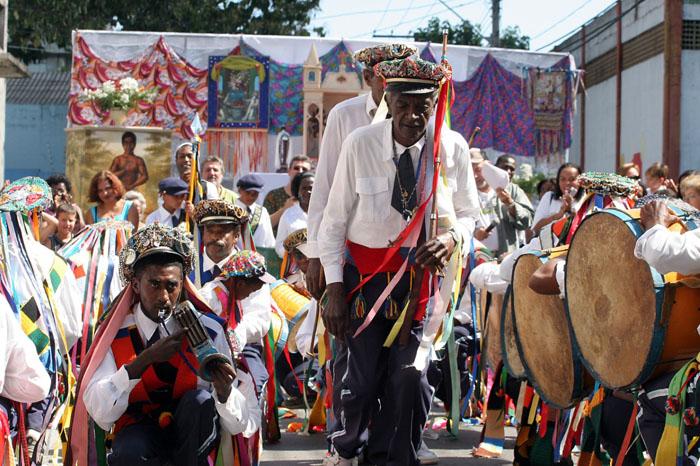 Rituais religiosos são apresentados durante o Festejo.