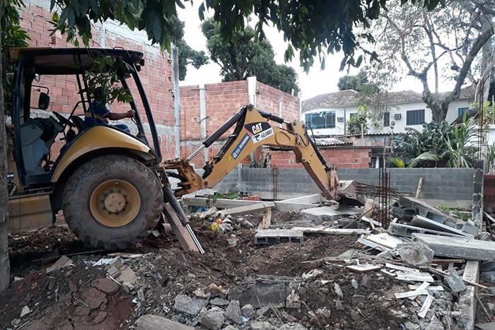 Ao todo, 17 construções foram demolidas no local que tem sido utilizado nos últimos anos para grilagem de terra.