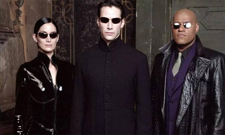 Trinity e Neo estarão de volta na continuação de Matrix.