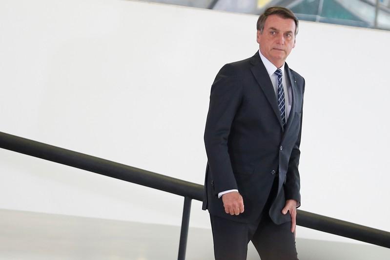 Bolsonaro disse que organizações não-governamentais podem estar por trás das queimadas na região.