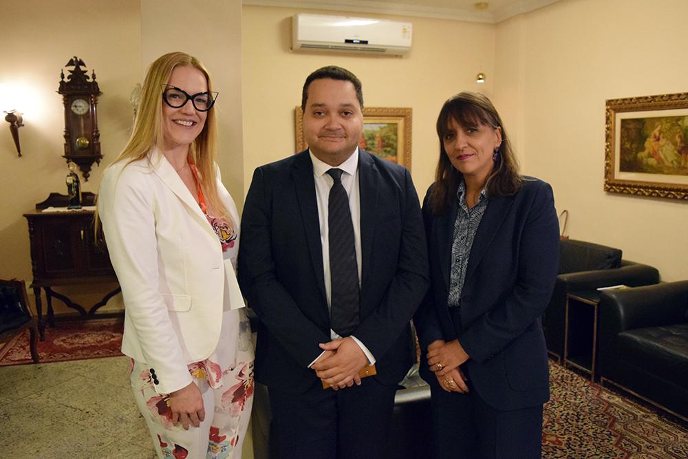 Professora Maria Flávia Máximo, da Dom Helder, Aurélien Lorange, da Universidade de Ciências Aplicadas de Haia, e juíza Simone dos Santos,  secretária-geral do CJF.