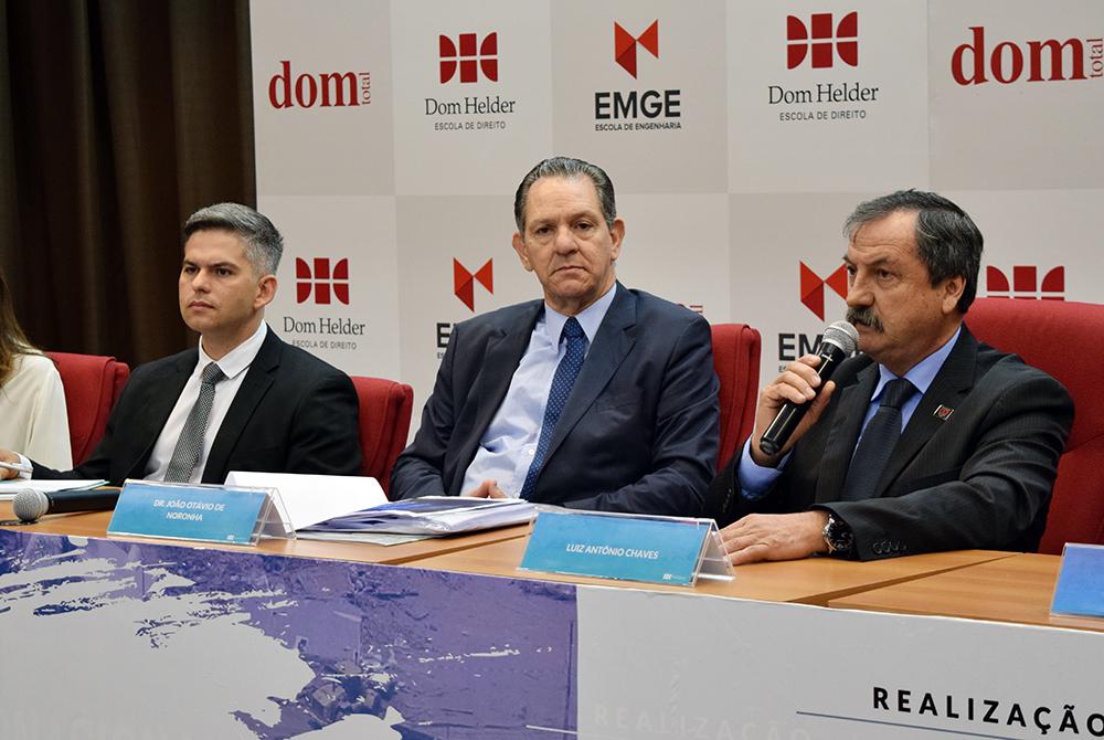 Germano Luiz Gomes Vieira, secretário de Estado de Meio Ambiente, João Otávio de Noronha, presidente do STJ, e professor Luiz Chaves, da Dom Helder.