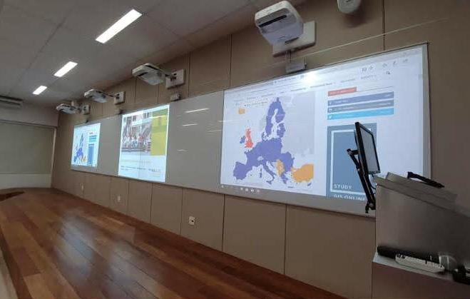 O tema do curso foi o Direito da União Europeia.