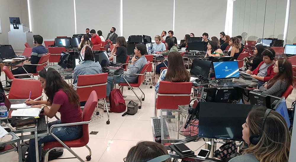 De acordo com o professor, os estudantes da Dom Helder são muito bem preparados.