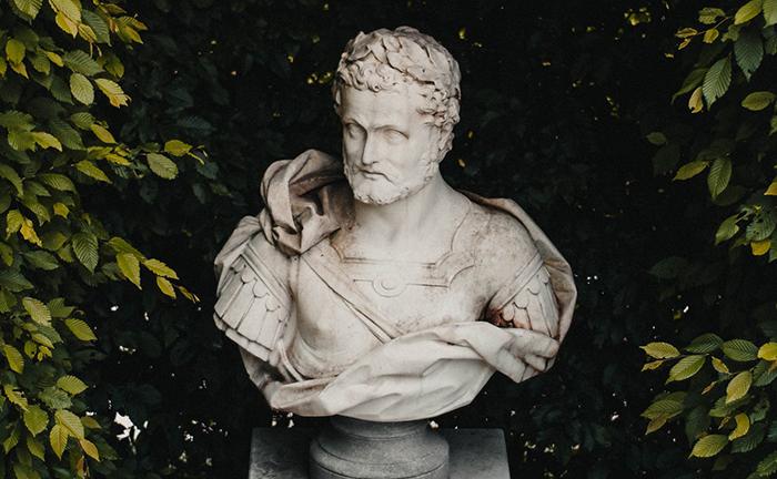 A Filosofia pode ser um suporte para o dia a dia, como contribuição para que vivamos com mais lucidez a nossa vida.