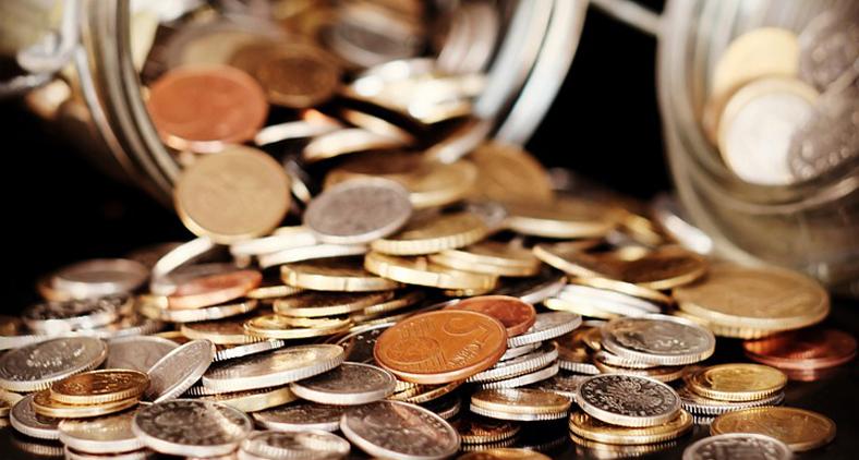 No Brasil, em 1727 cunharam-se as primeiras moedas. (Pixabay)