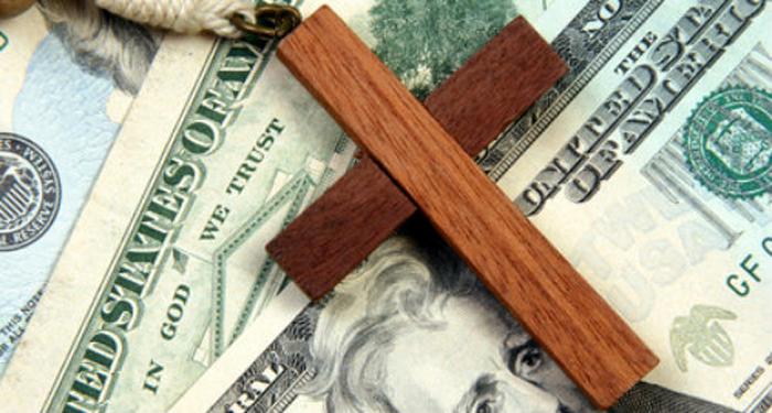 Diante do horizonte de um capitalismo subjacente nas religiosidades de massa, urge a necessidade de anunciar o Deus revelado por Jesus de Nazaré.
