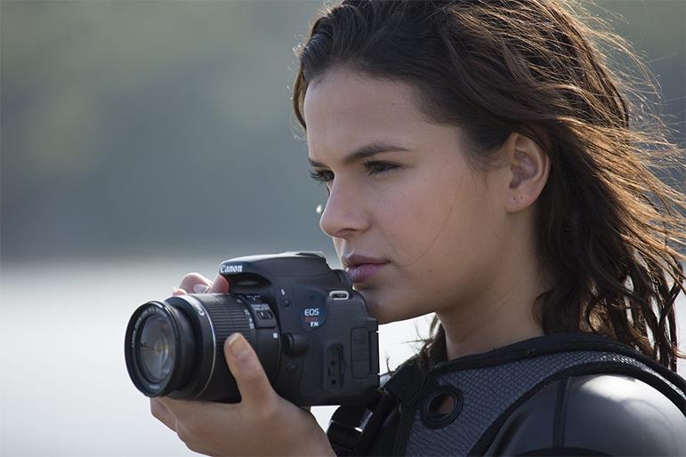 Bruna Marquezine interpreta a personagem Ophelia.