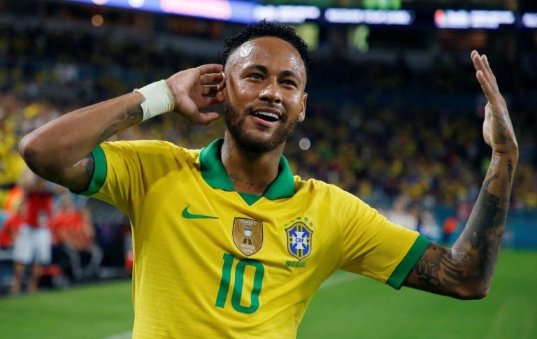 Neymar voltou marcando gol pela seleção, apesar de falta de ritmo