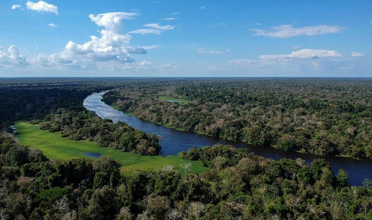 Segundo alguns especialistas internacionais, a Amazônia é a segunda área mais vulnerável do planeta em relação à mudança climática provocada pelos seres humanos.