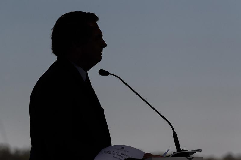 Especialista afirma que 'Bolsonaro deu as costas para todo o mundo'
