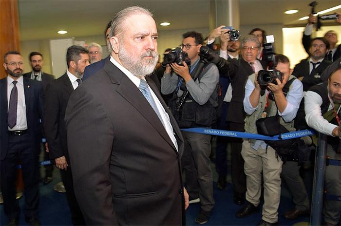Por várias vezes Bolsonaro sugeriu que escolheria para a PGR alguém que tivesse um alinhamento com as diretrizes do governo.