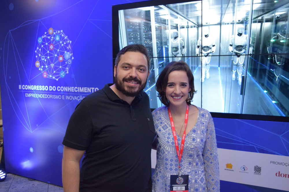 O coordenador do curso de Ciência da Computação da EMGE e a professora Ana Virgínea que organizaram o Congresso