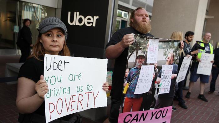 Tanto Uber quanto Lyft advertem que leis como a da Califórnia vão afetar seus negócios.