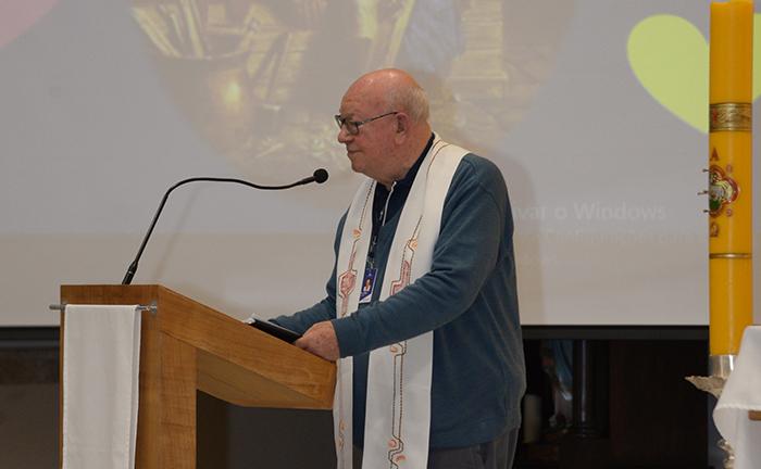 Padre João Roque Rohr, SJ é defensor da educação como instrumento de aperfeiçoamento do ser humano.