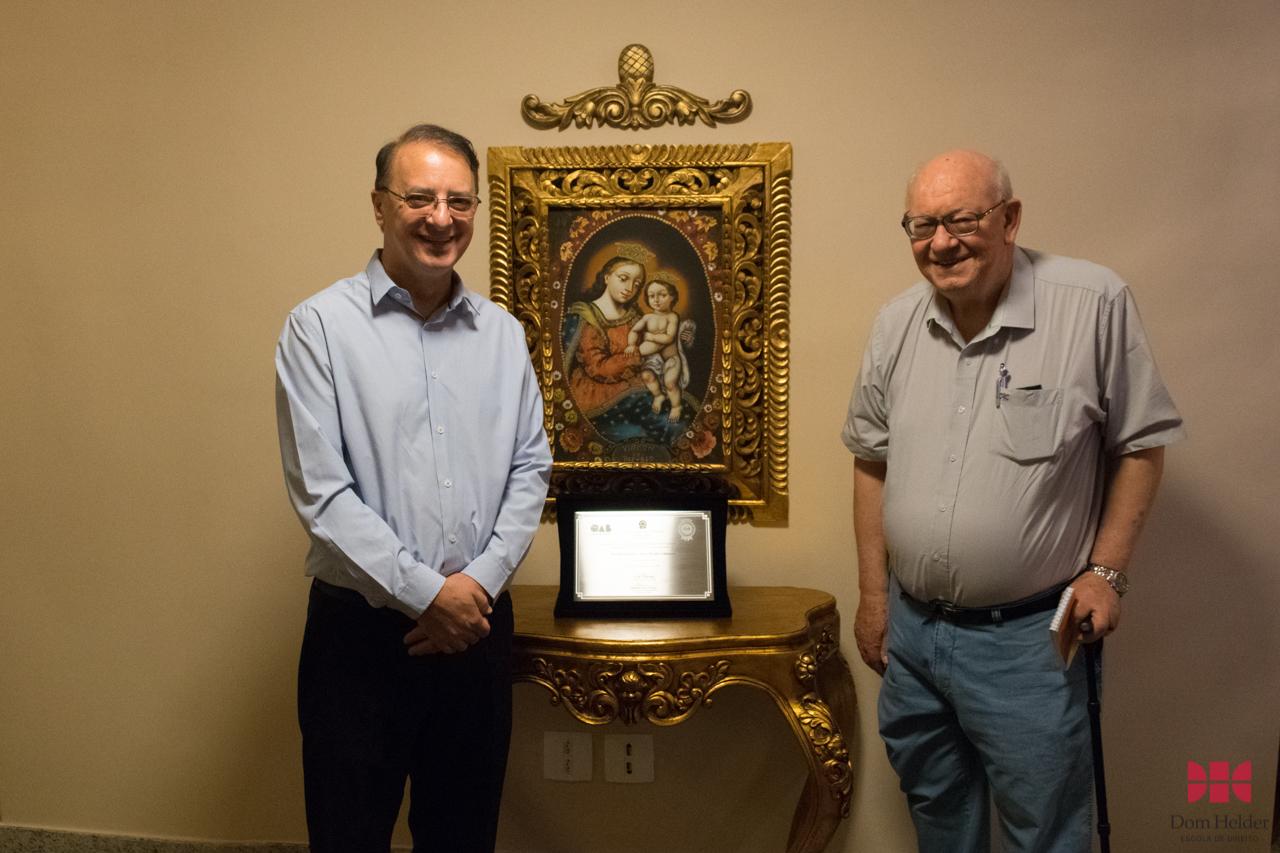 Padre João Roque Rohr, SJ, e o reitor da Dom Helder, Paulo Stumpf, SJ.