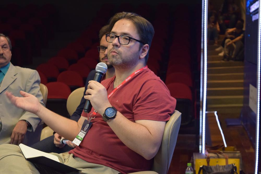 Professor Roberto Novaes, da UFMG.