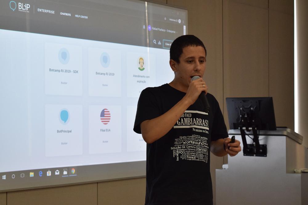 Rafael Pacheco falou sobre a 'construção bots na prática com a plataforma BLiP'