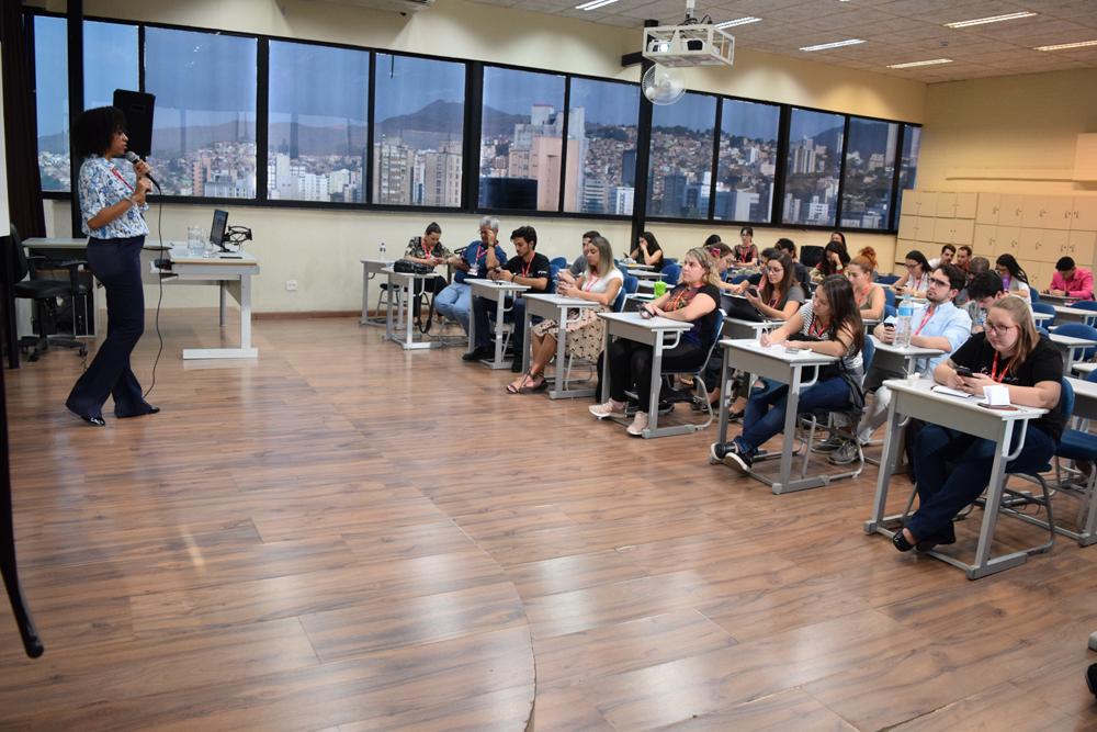 Ana Marilce falou sobre marketing pessoal na rede: lições práticas de Linkedin.
