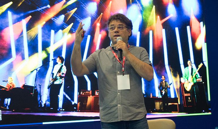 Músico comenta sobre a preservação da natureza, leis de incentivo à Cultura e deixa um recado par aos congressistas. (Thiago Ventura/DomTotal)