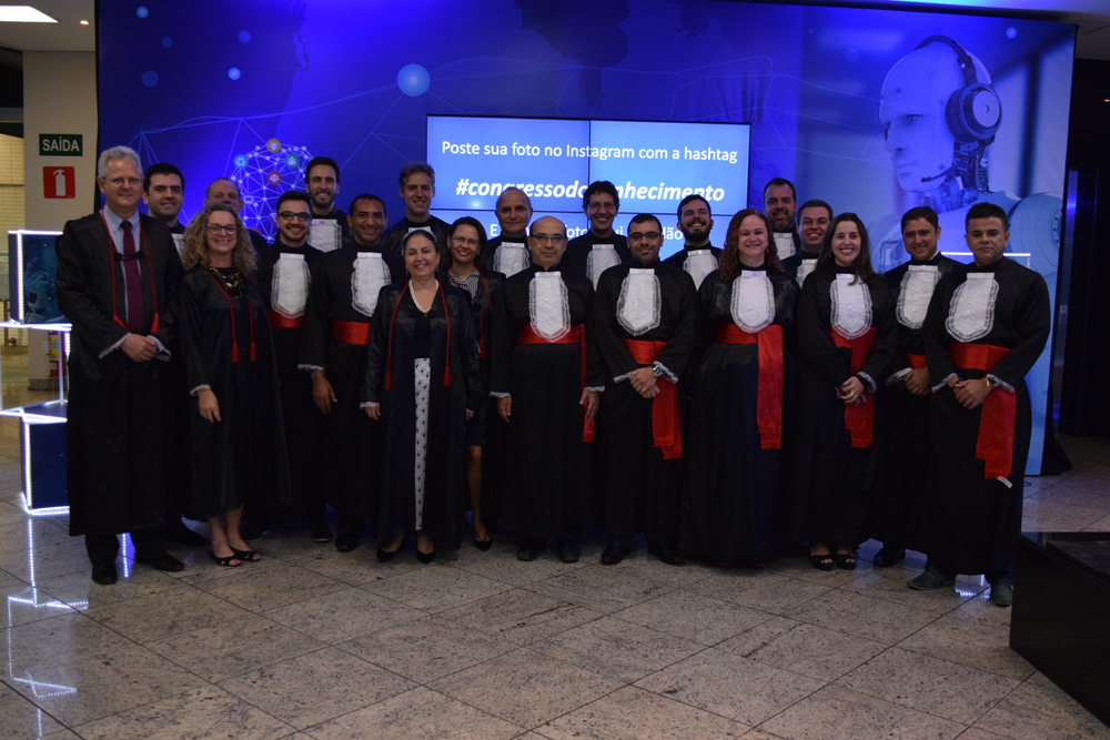 Membros do corpo docente na cerimônia de entrega do título Doutor Honoris Causa