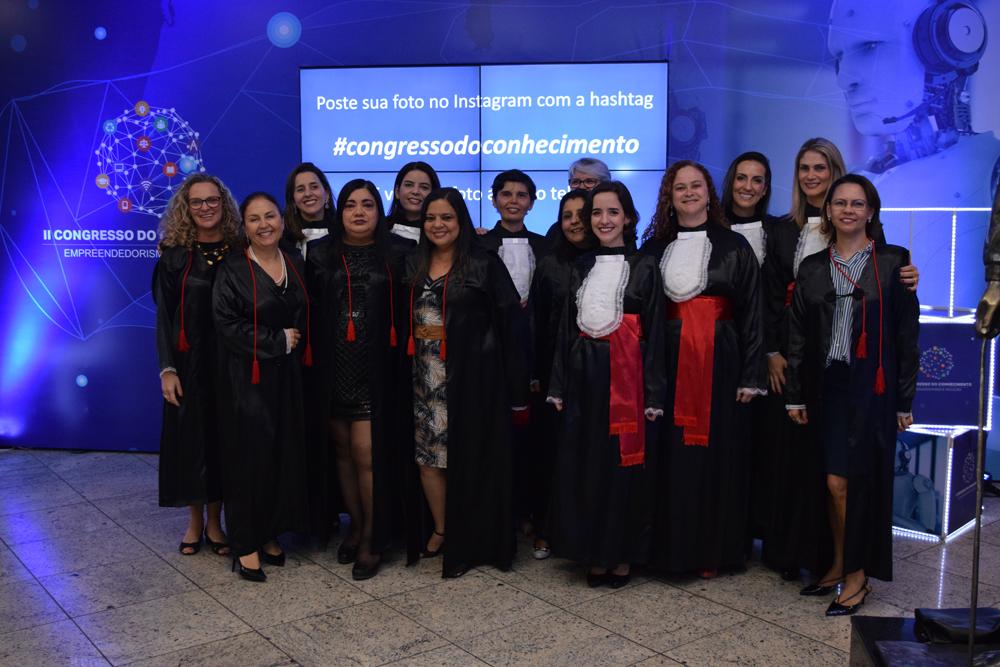 Equipe feminina do corpo docente na cerimônia de entrega do título Doutor Honoris Causa