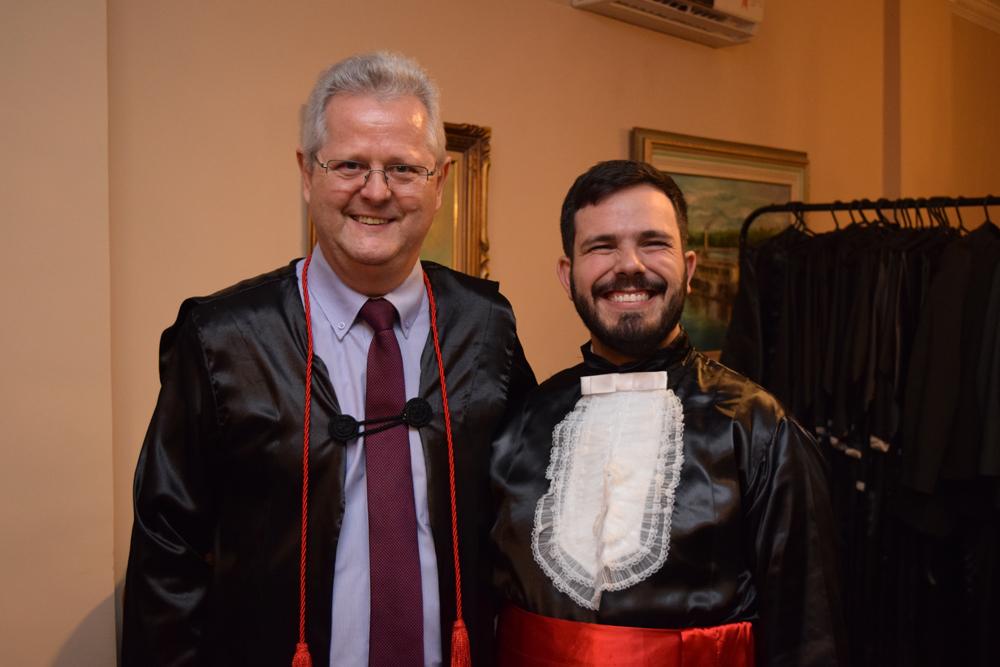 O pró-reitor Francisco Haas e o professor Thiago Loures