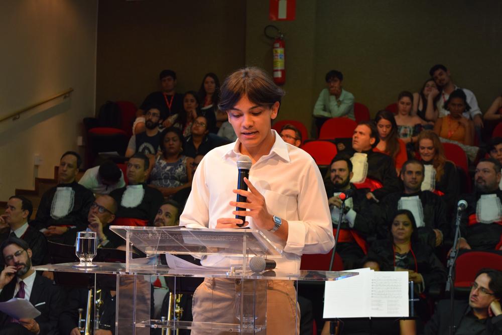 O aluno Fernando Massad apresentou sua dissertação ao público do II Congresso do Conhecimento
