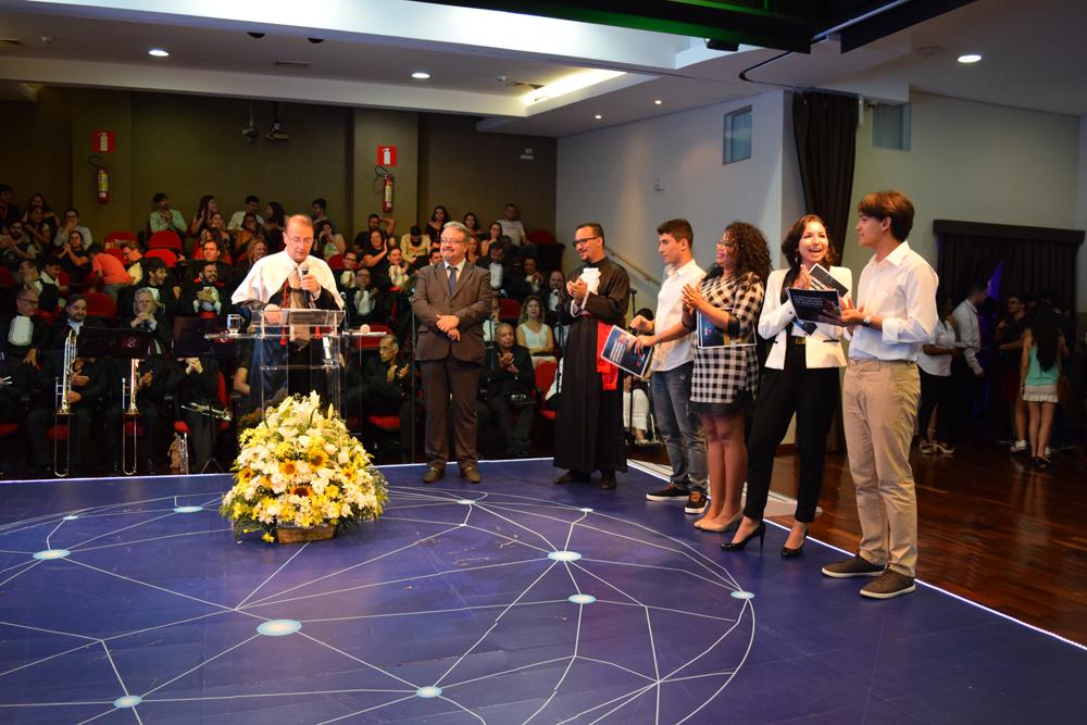 Por decisão do reitor da Dom Helder, Paulo Stumpf, o prêmio máximo foi estendido para todos os finalistas, de modo que os tablets foram conferidos ao primeiro e segundo lugar.