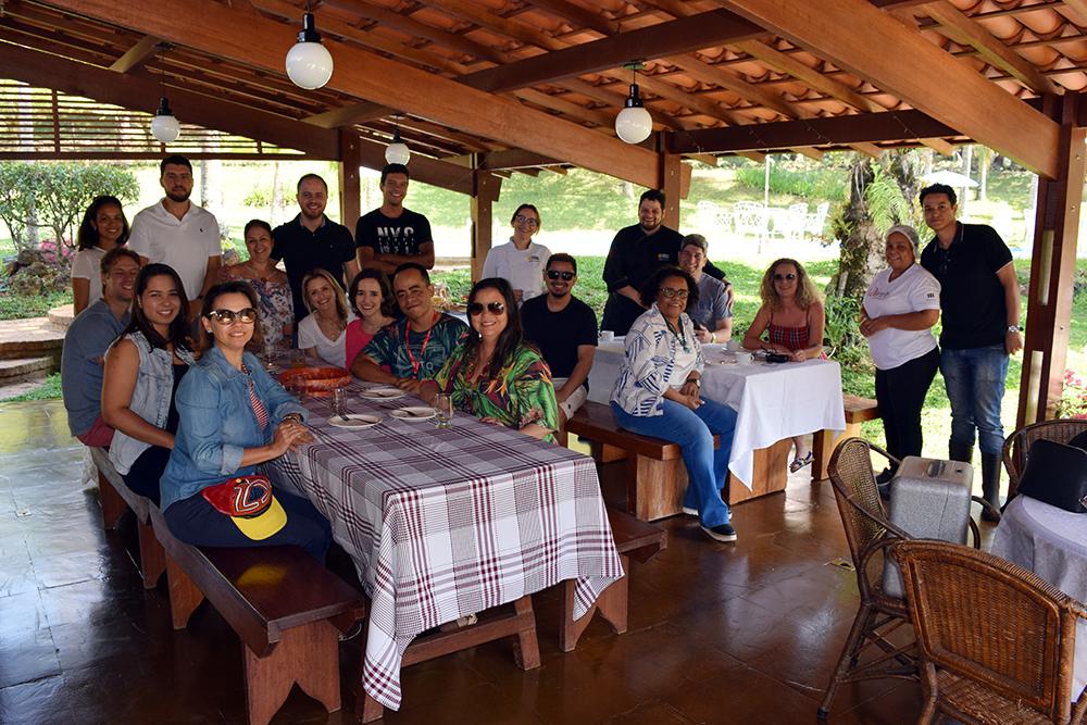 Participantes do II Congresso durante café da manhã na Unidade 3.