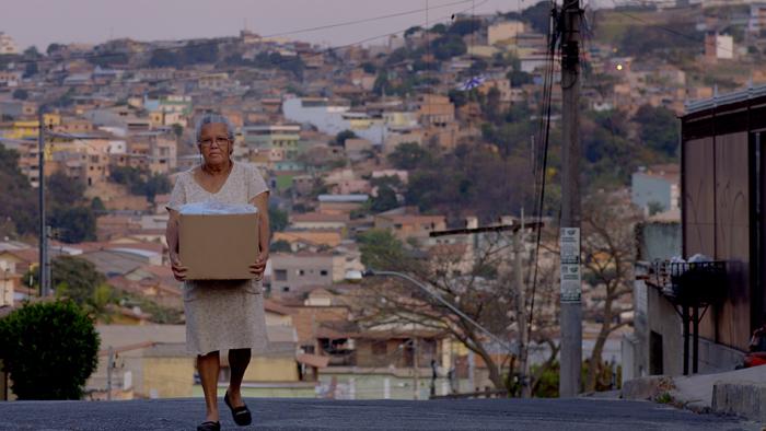 Cena do filme 'No coração do mundo', com direção da produtora Filmes de Plástico.