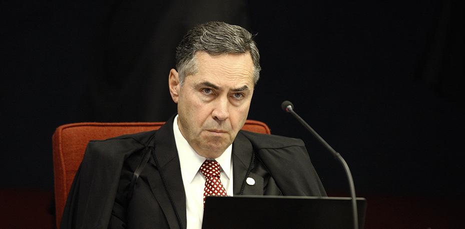 O ministro do Supremo Tribunal Federal (STF) Luís Roberto Barroso autorizou a ação de busca e apreensão.