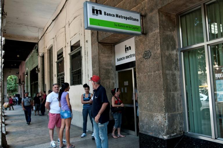Agência bancária de Havana, em novembro de 2011.