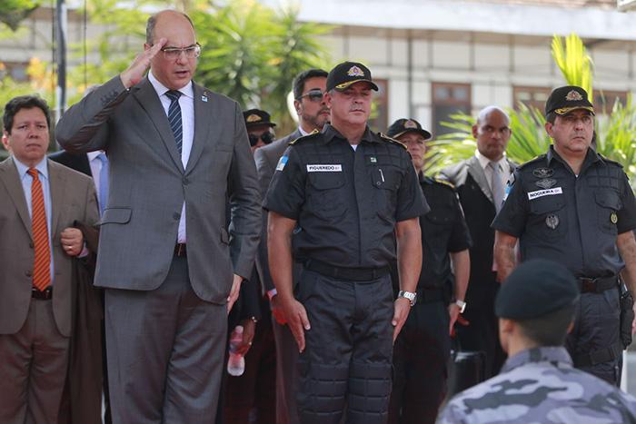 Governador do Rio defendeu a necessidade de matar pessoas que estiverem armadas com fuzis.