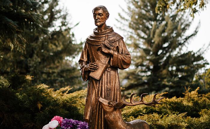 Francisco, por sua renúncia às riquezas deste mundo, é conhecido como o