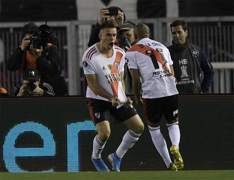 River não teve dificuldade para vencer o Boca no primeiro jogo da semifinal da Libertadores.