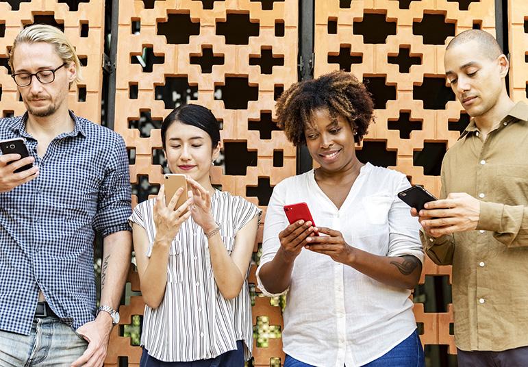 O mundo recarregável dos smartphones se tornou realidade.