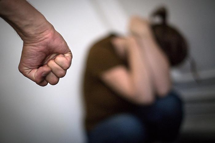Segundo projeto Relógios da Violência, a cada 7,2 segundos uma mulher sofre agressão física no Brasil