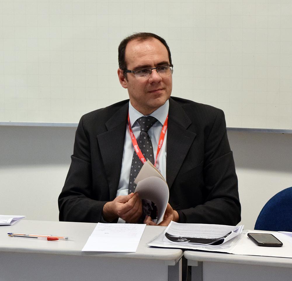 O professor Magno Federici Gomes, da Dom Helder, coordenou um dos grupos sobre Direito, Política e Ecologia.