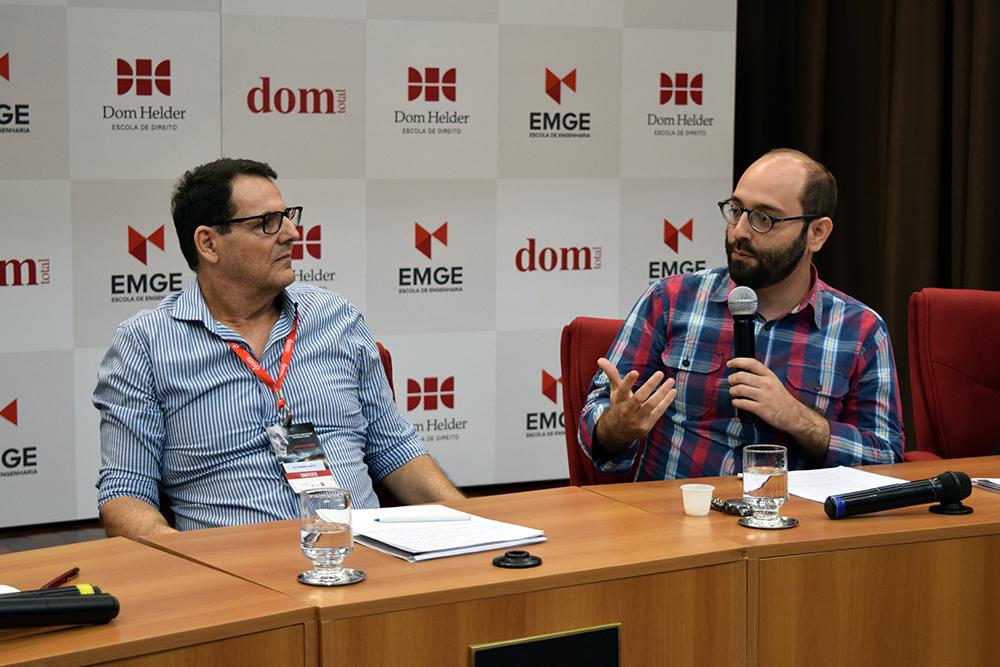 Professores Nilo Ribeiro Júnior e Felipe Rodolfo de Carvalho.