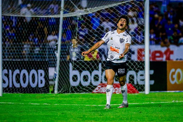 Luan fez um dos gols, mas Atlético comete os mesmos erros de sempre e compromete vitória.