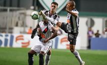 Contra o Vasco, pênalti cometido por Patric prejudicou o Atlético (Bruno Cantini/Atlético)