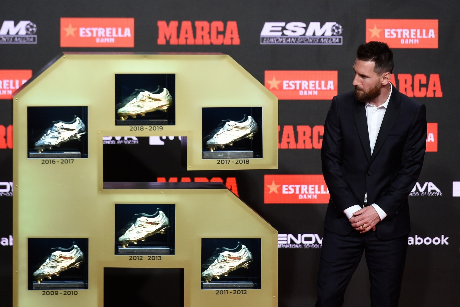 Messi recebe sua sexta Chuteira de Ouro, após marcar 36 gols no Espanhol