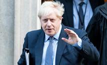 Boris Johnson disse que seguirá em frente e tentará fazer com que o país deixe a União Europeia até 31 de outubro (AFP)