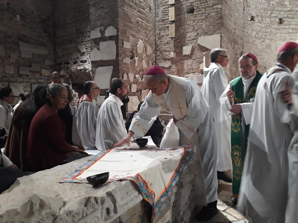 O ato foi celebrado em Santa Domitila na manhã deste domingo (20)