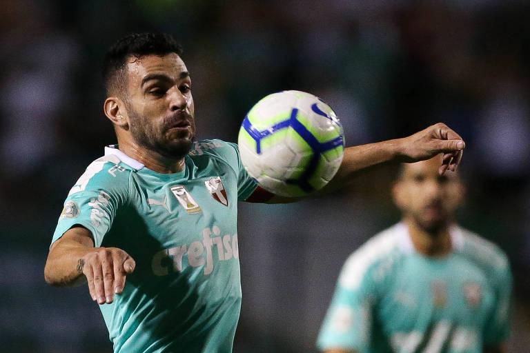 Palmeiras lamentou a atitude de alguns torcedores contra a esposa do volante Bruno Henrique