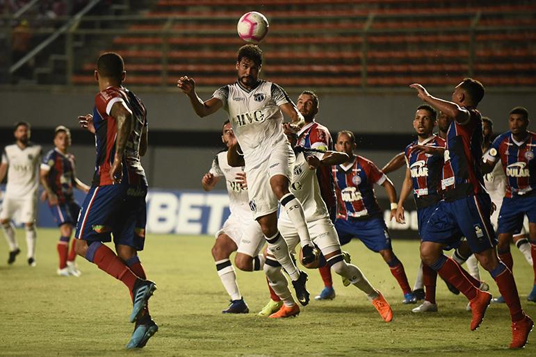 Ceará surpreendeu o Bahia no clássico nordestino pelo Campeonato Brasileiro